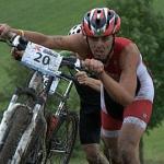 Lukáš Bauer proháněl v terénu triatlety
